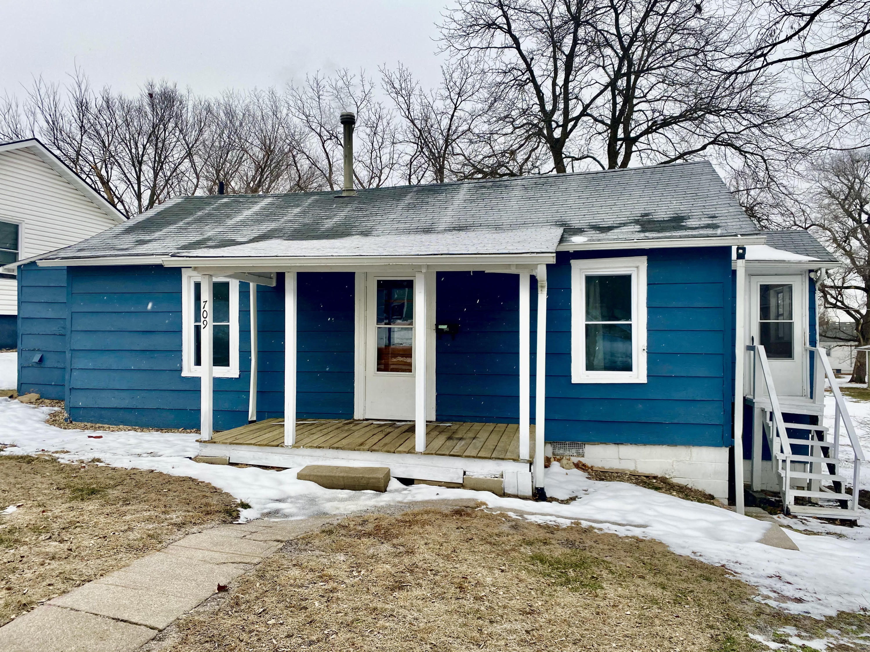 709 E 2ND Street, Maryville, Missouri 64468, 2 Bedrooms Bedrooms, ,1 BathroomBathrooms,Residential,2ND,4863