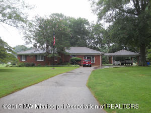 106 Section Line Road, Como, MS 38619