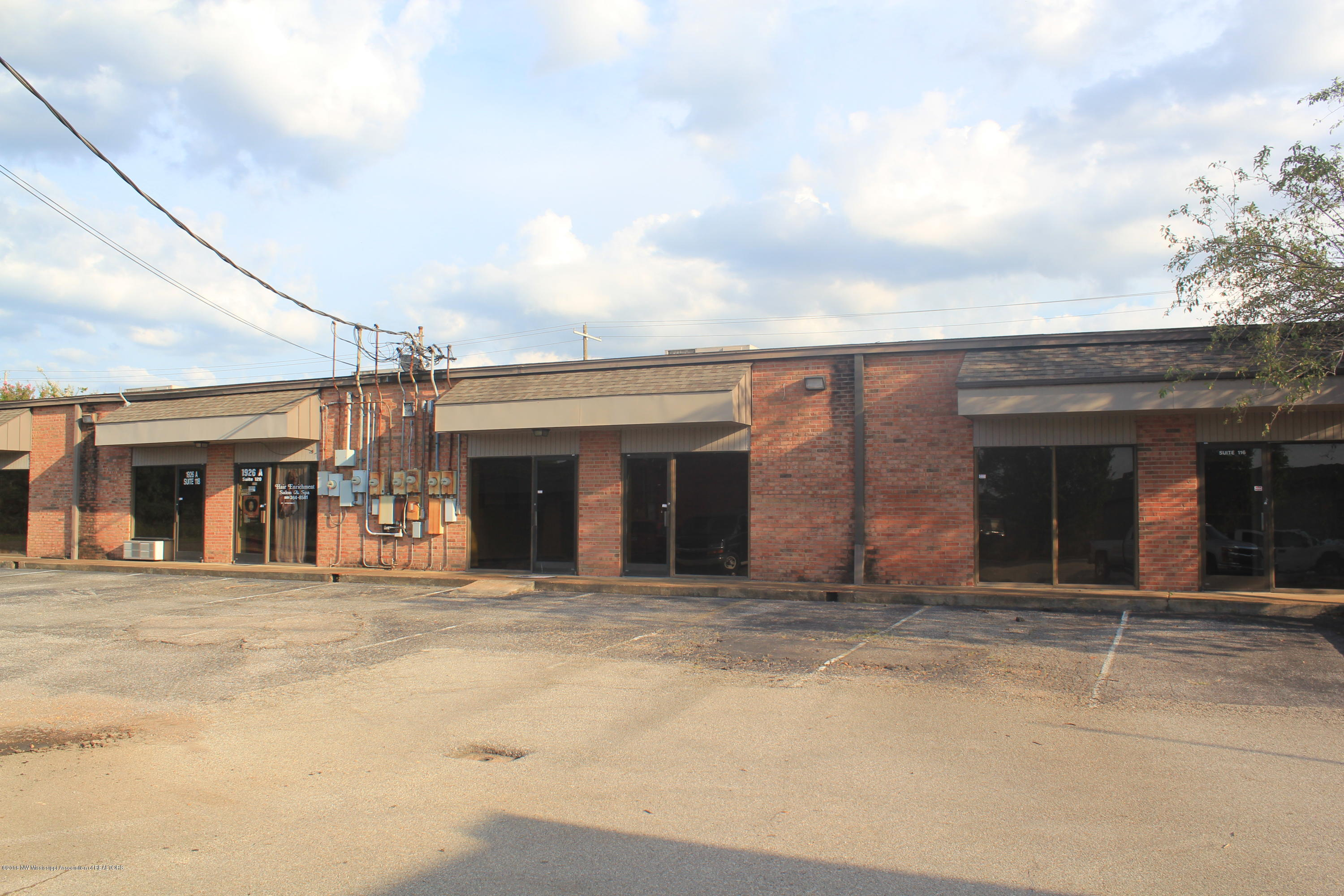 1926A First Commercial Drive, DeSoto, Mississippi 38671, ,Commercial,For Sale,First Commercial,317754