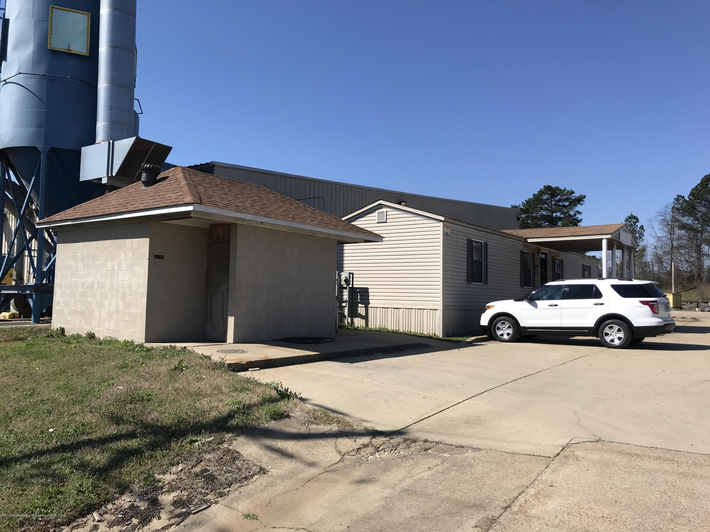 2200 Cole Road, DeSoto, Mississippi 38637, ,Commercial,For Sale,Cole,321847