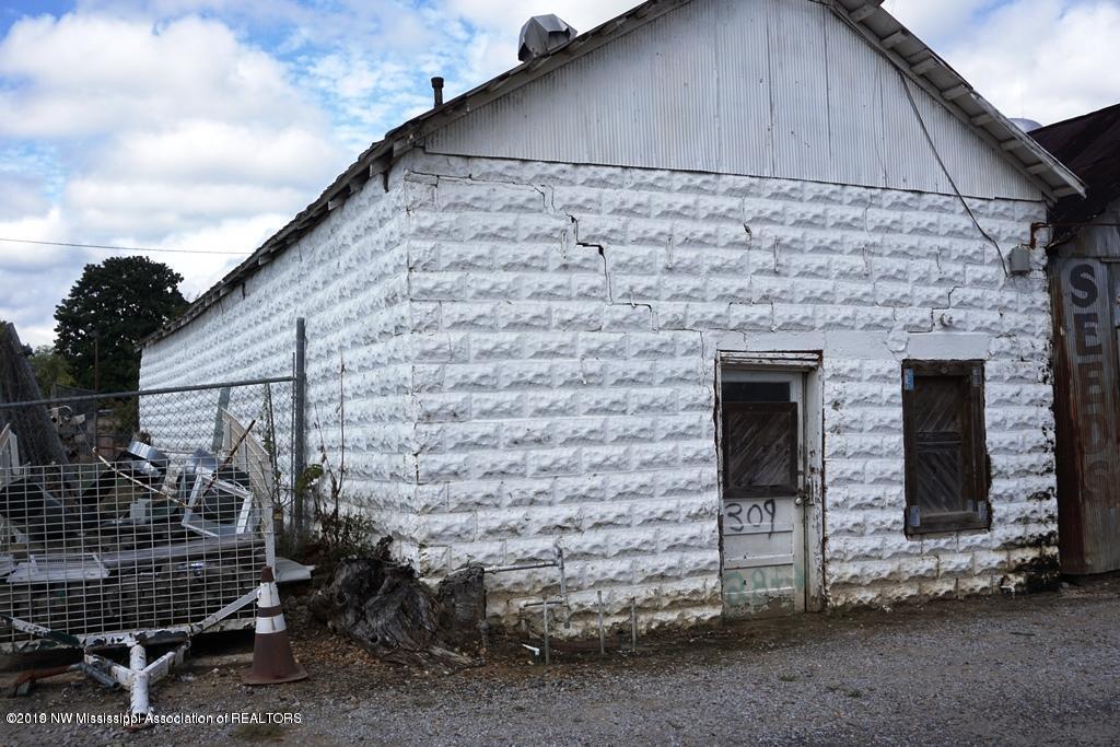109 Back Street, Panola, Mississippi 38666, ,Commercial,For Sale,Back Street,325702