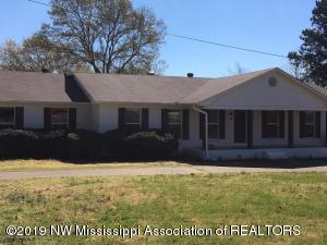 1144 N Crockett Road, Senatobia, MS 38668