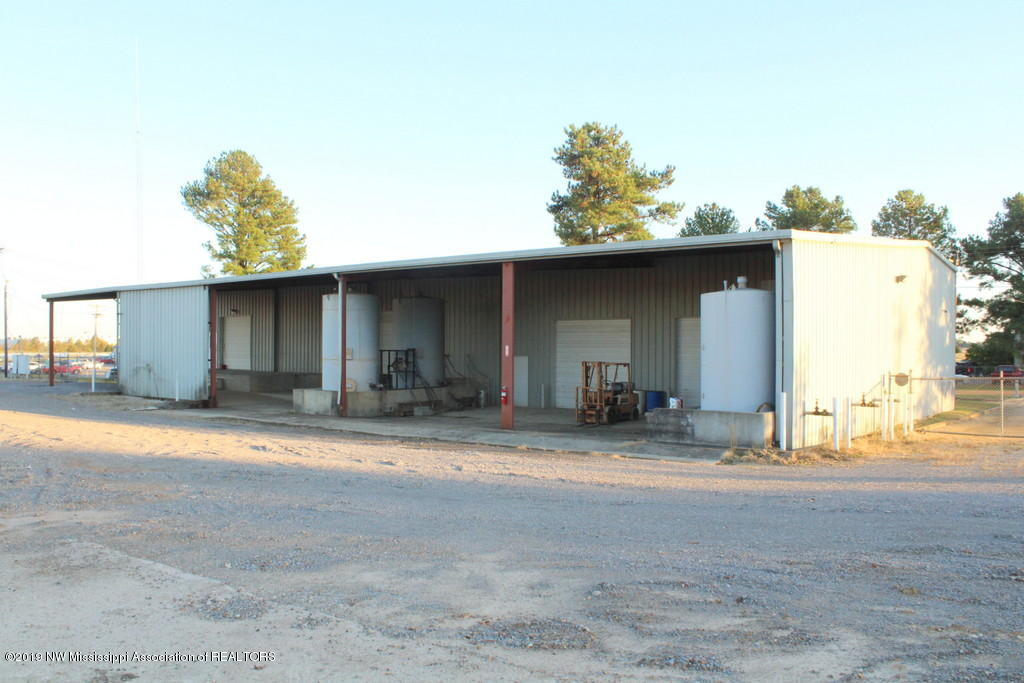 11206 Airport Road, DeSoto, Mississippi 38654, ,Commercial,For Sale,Airport,326853