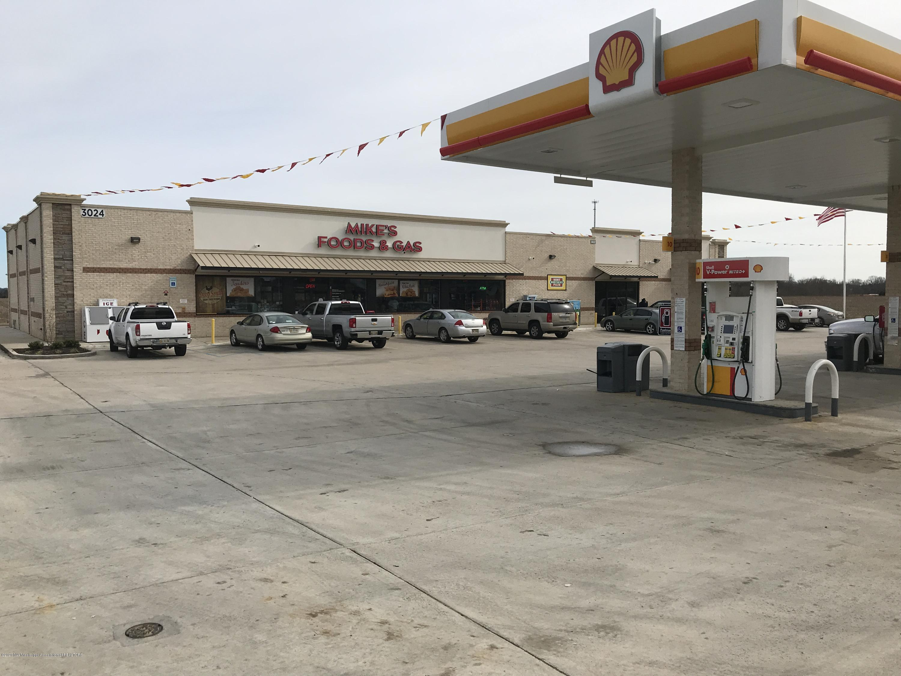 3022 Highway 51, Tate, Mississippi 38668, ,Commercial,For Sale,Highway 51,327327