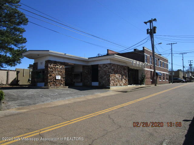 221 Main Street, Tate, Mississippi 38668, ,Commercial,For Sale,Main,327861