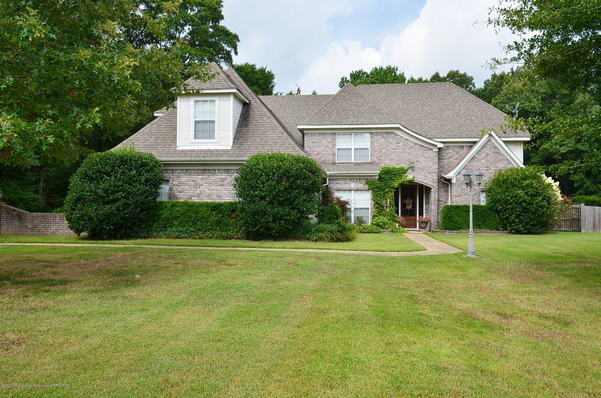 1233 Greers Landing, DeSoto, Mississippi 38632, 6 Bedrooms Bedrooms, ,4 BathroomsBathrooms,Residential,For Sale,Greers Landing,330521