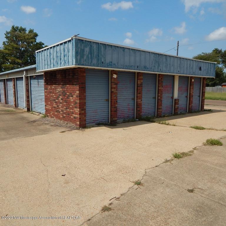 310 Madison Avenue, Coahoma, Mississippi 38614, ,Commercial,For Sale,Madison,331925