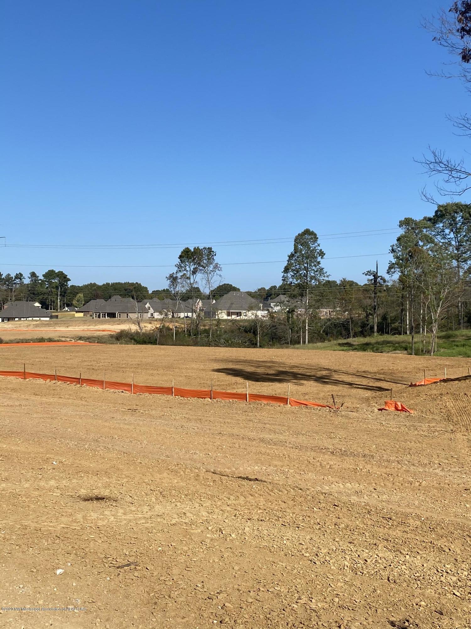 Lot 1 Dirt pad