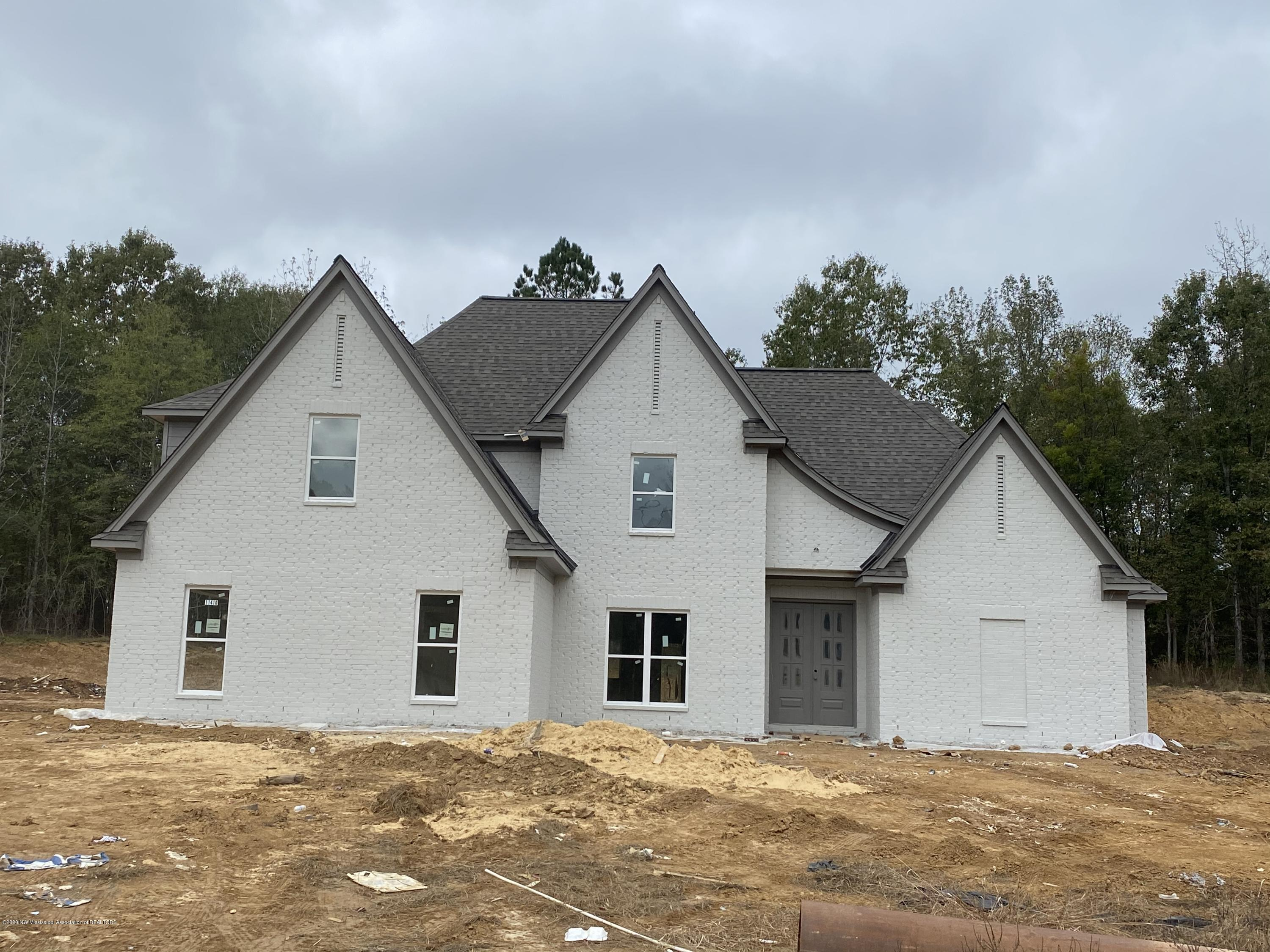 11410 Cedar Point Cove, DeSoto, Mississippi 38632, 4 Bedrooms Bedrooms, ,3 BathroomsBathrooms,Residential,For Sale,Cedar Point Cove,332340