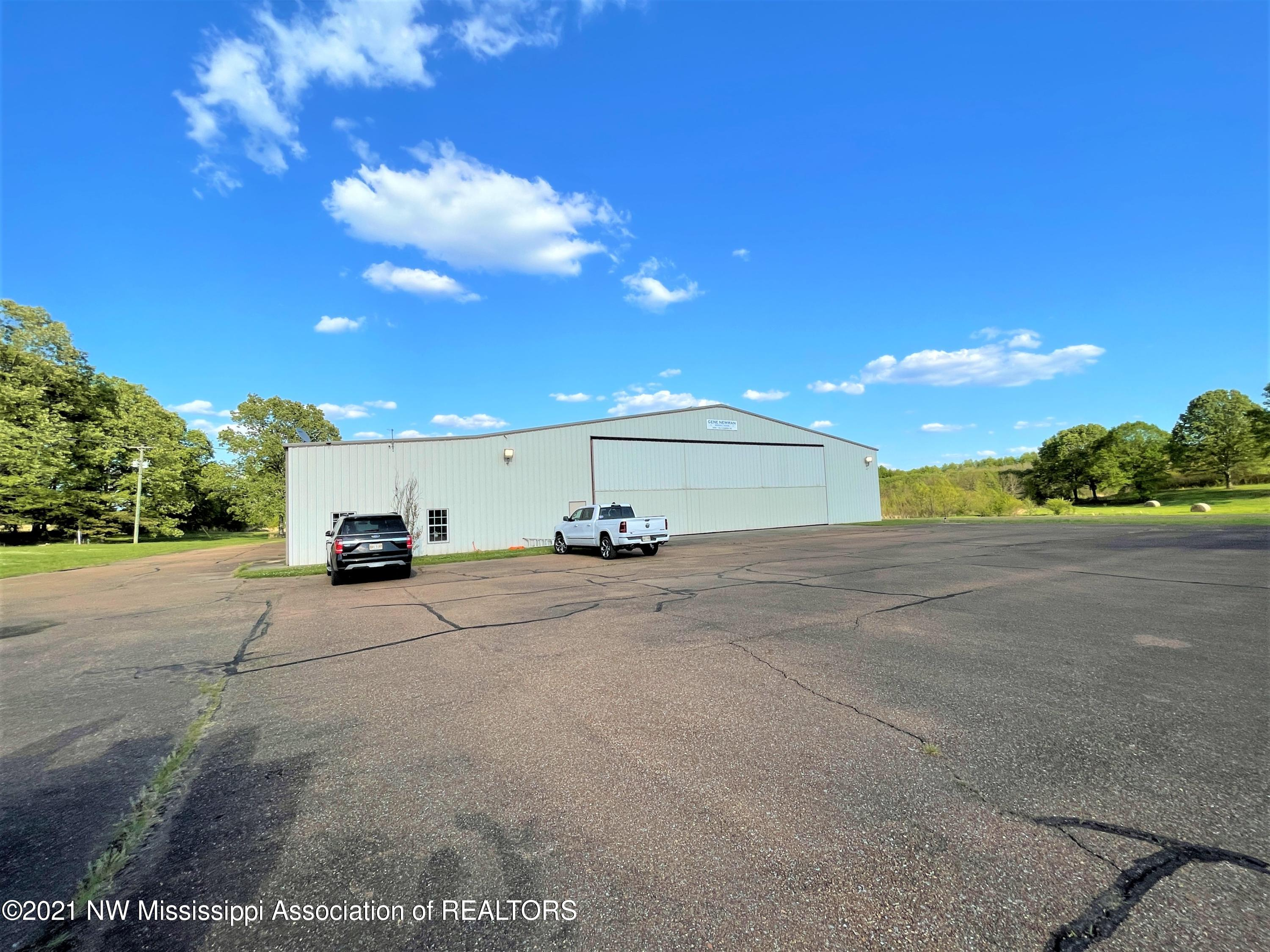 Image 2 - 101.9 Acres Williamsfield Airp