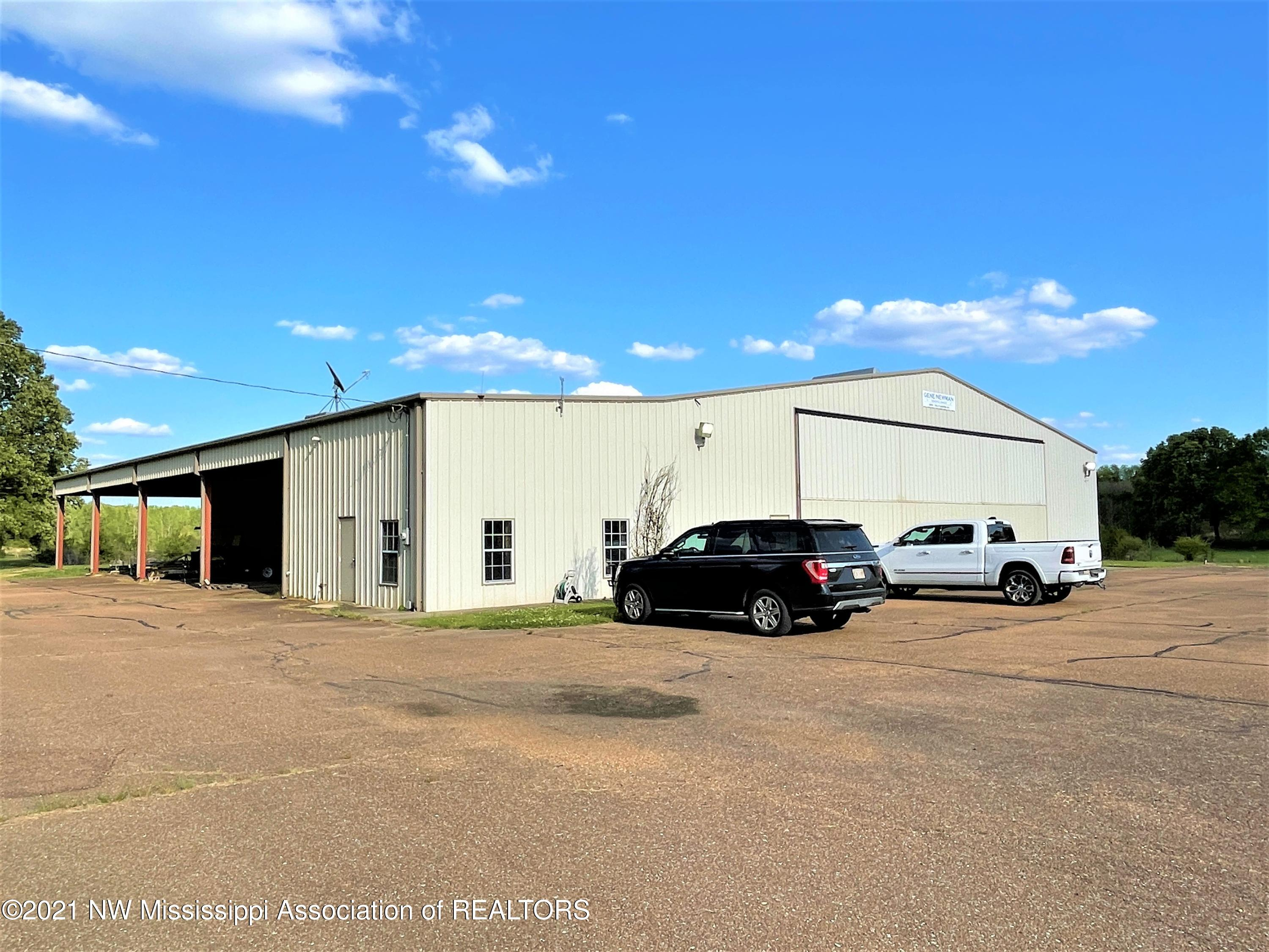 Image 3 - 101.9 Acres Williamsfield Airp