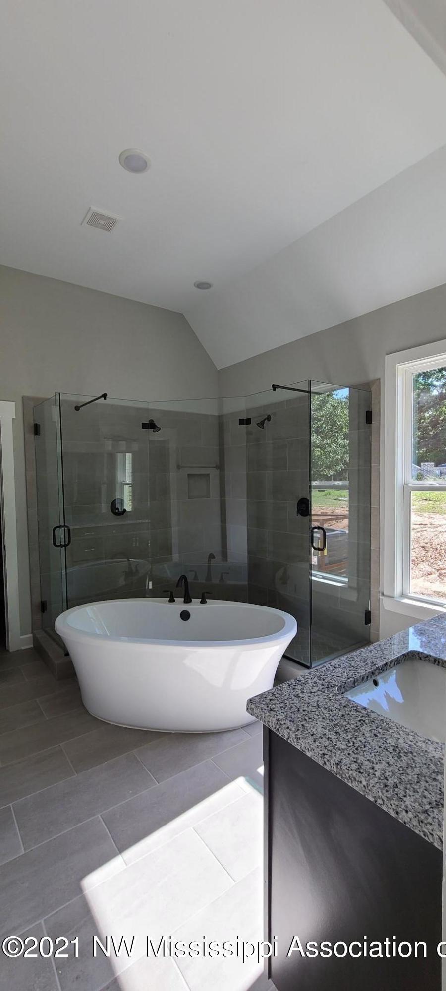 Upgraded Soaker Tub