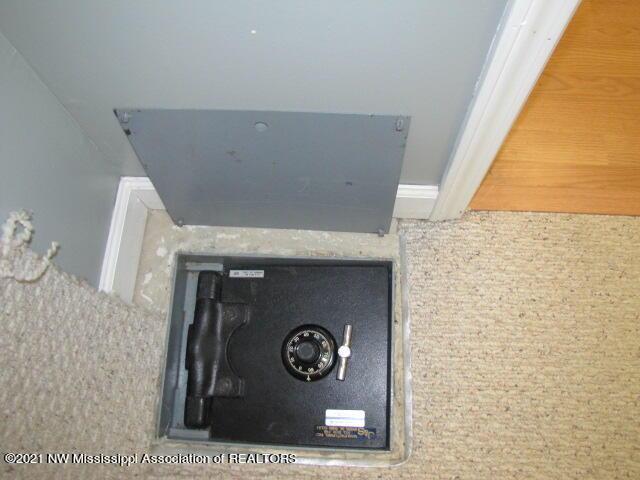 floor safe