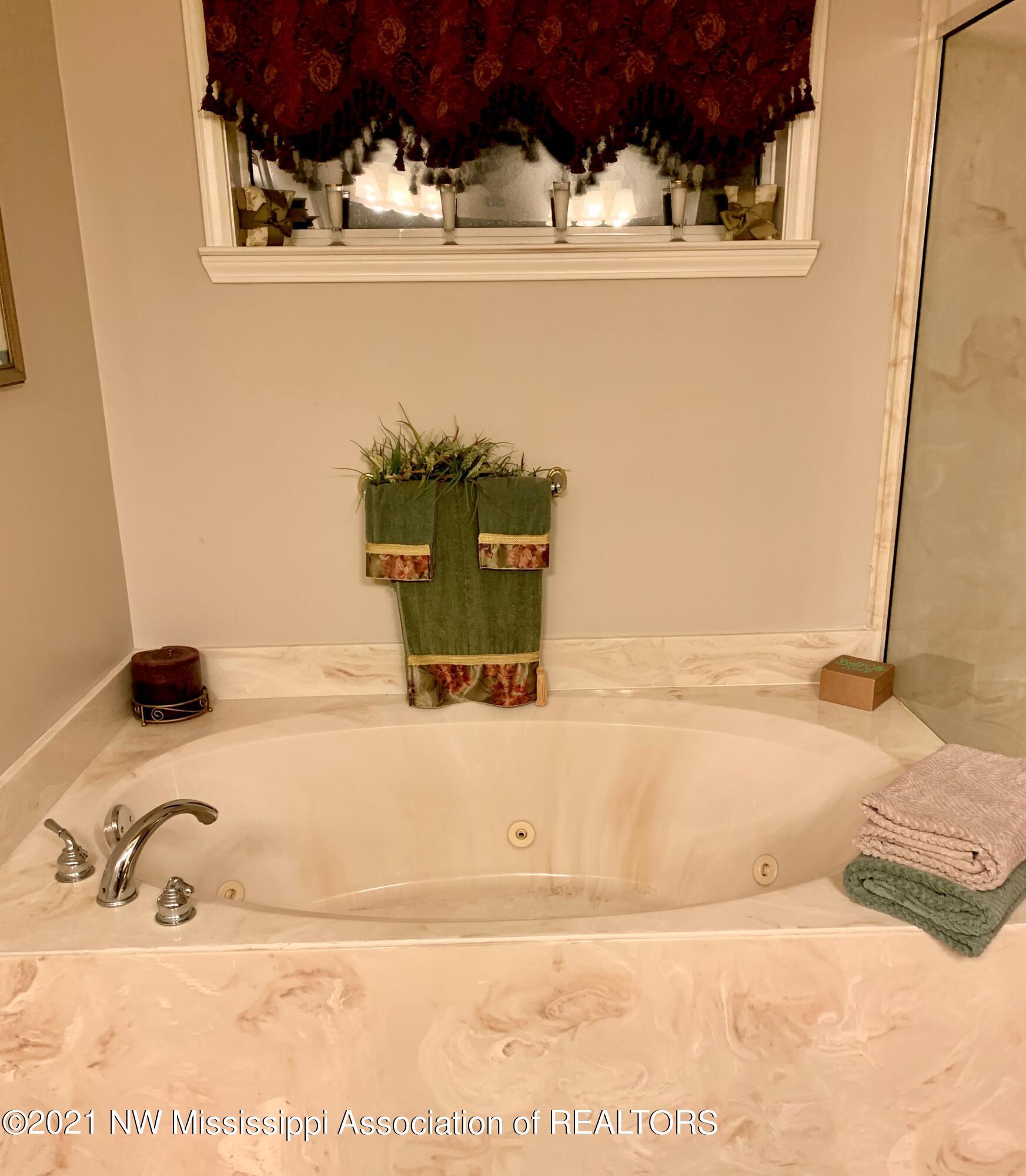 PRIMARY BATH_004