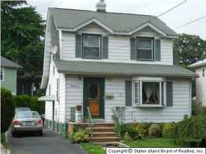 21 Aymar Avenue, Staten Island, NY 10301