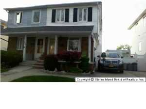 33 Middle Loop Road, Staten Island, NY 10308