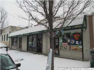 1090 Richmond Road, Staten Island, NY 10304