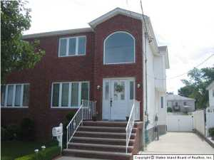 15 Wiley Place, Staten Island, NY 10306