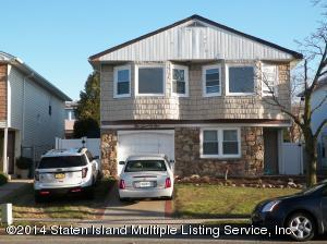 171 kelly blvd, conviently located to shopping & transportation.