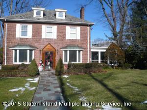 21 Edstone Drive, Staten Island, NY 10301