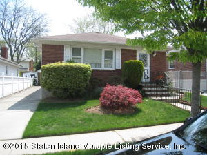 28 Clarence Place, Staten Island, NY 10306