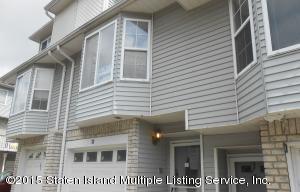 33 Regina Lane, Staten Island, NY 10312