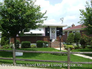 225 Little Clove Road, Staten Island, NY 10301