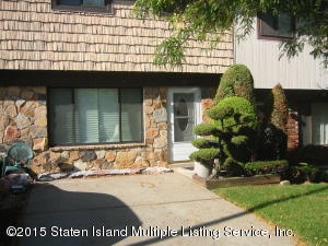 302 Rolling Hill Green, Staten Island, NY 10312