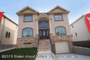 32 Dimarco Place, Staten Island, NY 10306