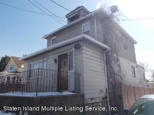 18 Fancher Place, Staten Island, NY 10303