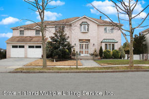 31 Norman Place, Staten Island, NY 10309