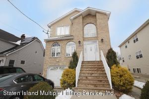 1544 Drumgoole Road W, Staten Island, NY 10312