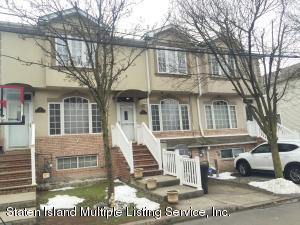 21 Harris Lane, Staten Island, NY 10309