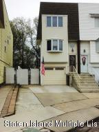 65 Daffodil Court, Staten Island, NY 10312