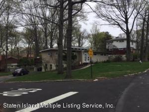 15 Mohn Place, Staten Island, NY 10301