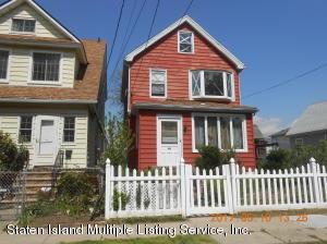 12 Riley Place, Staten Island, NY 10302