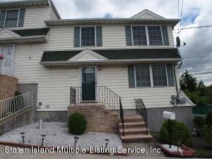 354 St Johns Avenue, Staten Island, NY 10305