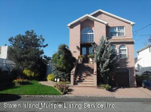 35 Bayview Lane, Staten Island, NY 10309