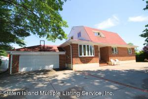 17 Witteman Place, Staten Island, NY 10301