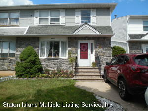 11 Ashwood Court, Staten Island, NY 10308