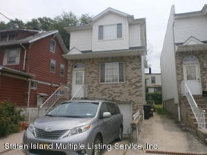 110 Coursen Pl, Staten Island, NY 10304