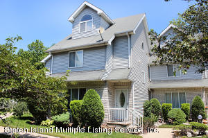 120 Fairlawn Avenue, Staten Island, NY 10308