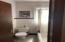 Bathroom 1st Floor 40 Bell St Staten Island, NY 10305 - Gabriel Kolendrekaj