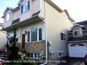 26 Crabtree Lane, Staten Island, NY 10309
