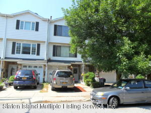 14 Carlyle Green, Staten Island, NY 10312