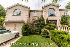244 St George Rd, Staten Island, NY 10306