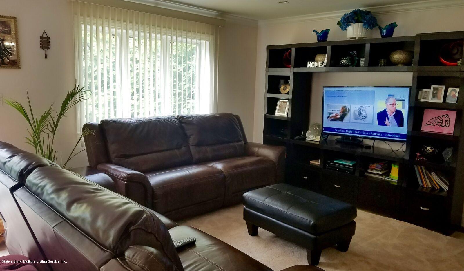 Single Family - Detached 104 Dutchess Ave   Staten Island, NY 10304, MLS-1113043-17