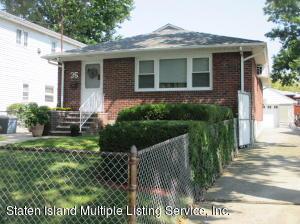 35 Keegans Lane, Staten Island, NY 10308