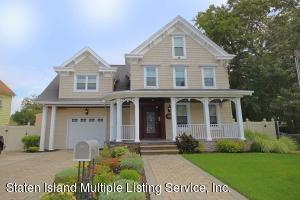 Beautiful Colonial in the Heart of Tottenville