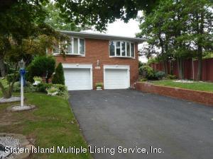 699 W Fingerboard Road, Staten Island, NY 10305